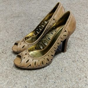 Guess by Marciano khaki leather heels